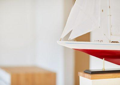 Maritime Einrichtung in unseren Zimmern & Suiten.