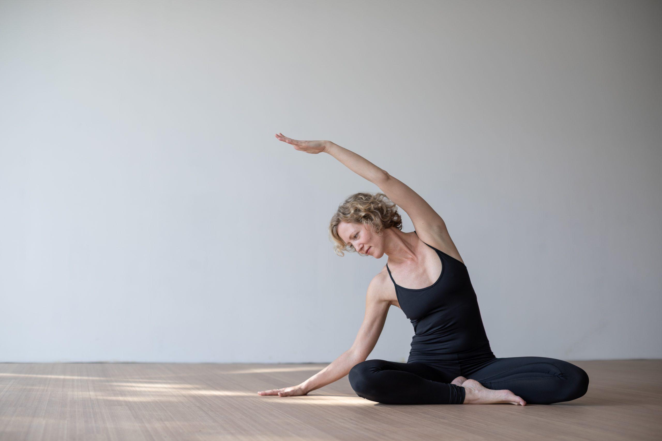 Elena Lustig beim Yoga