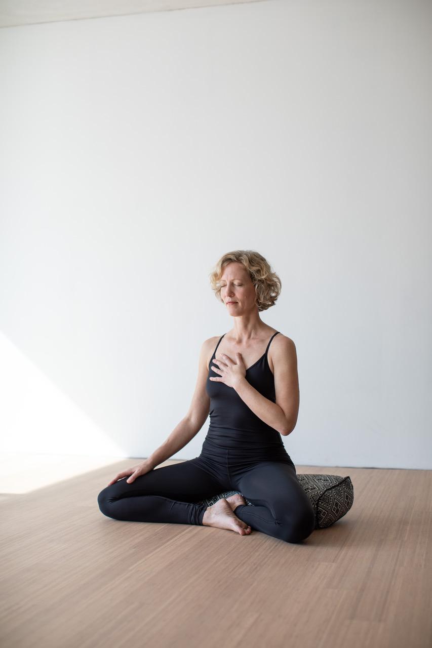Elena lustig yoga