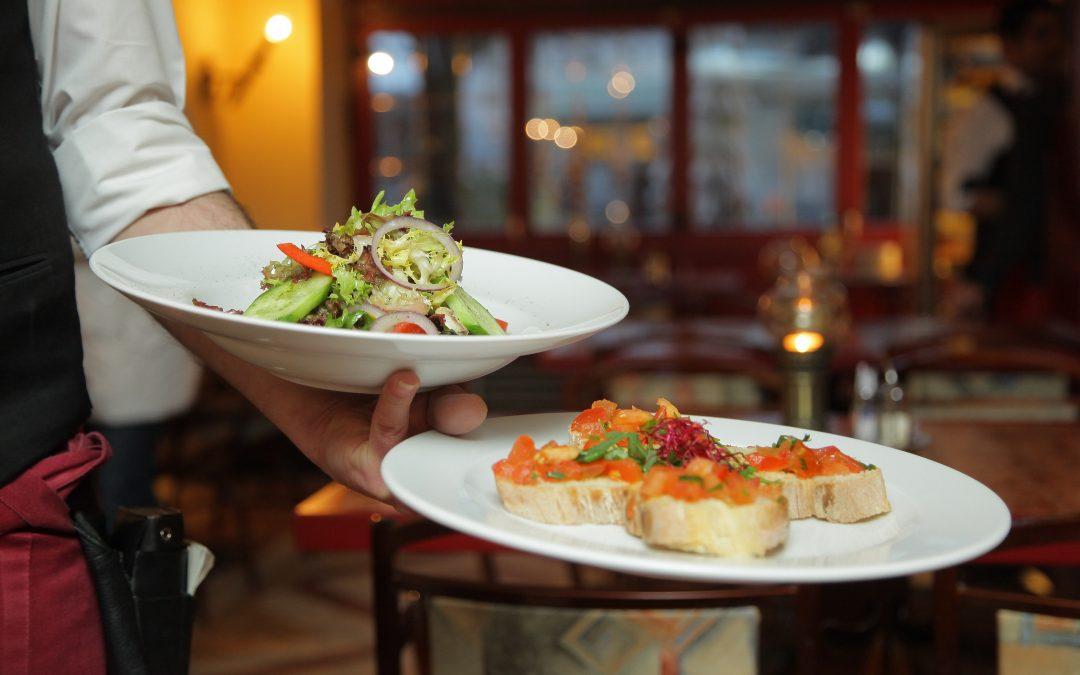 Servicemitarbeiter:in für das Pierspeicher Restaurant gesucht